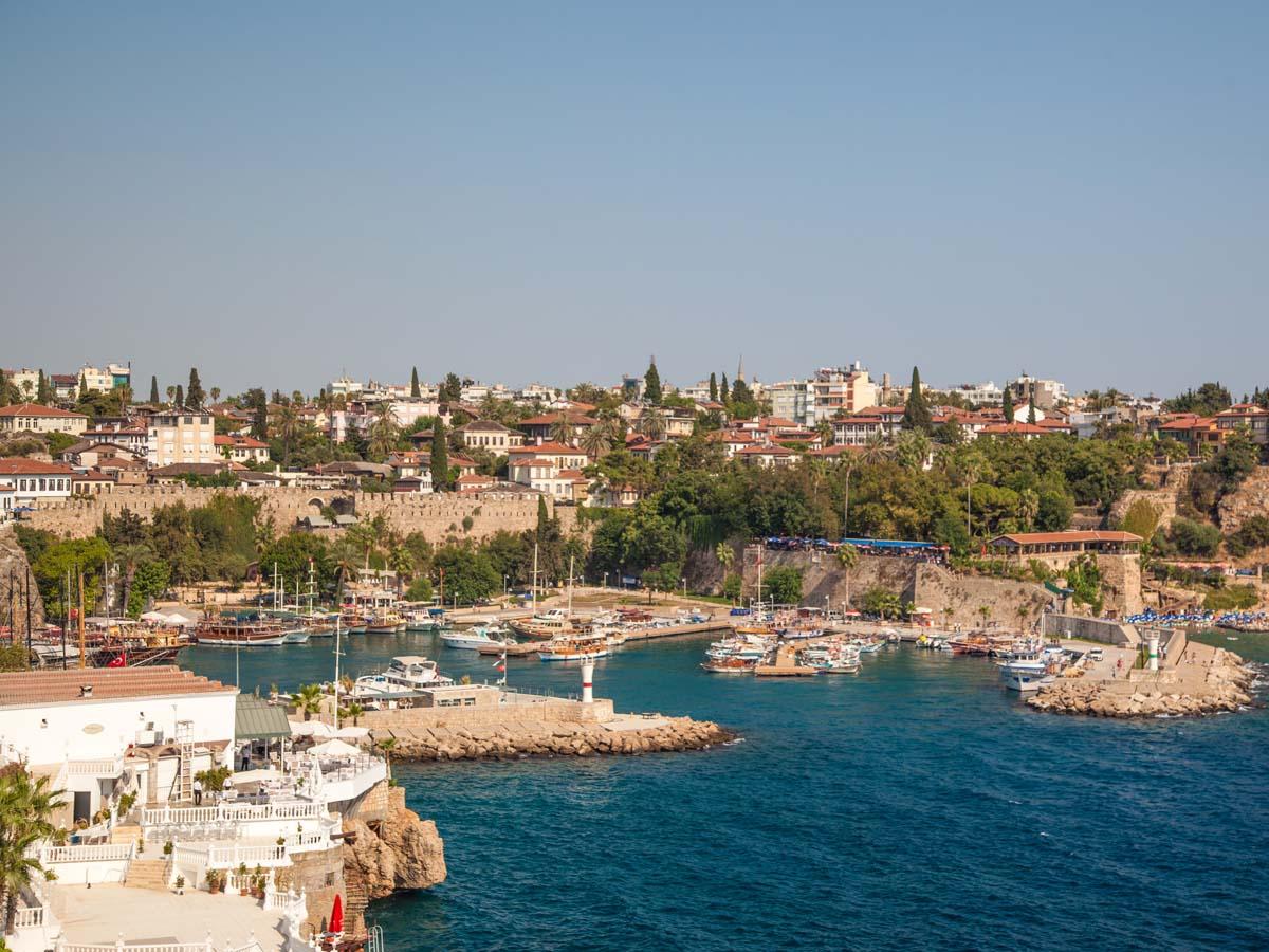 Antalya yı Ziyaret Eden Turist Sayısı 6 Milyonu Geçti